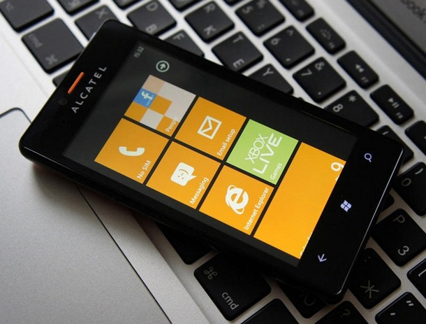 Бюджетен смартфон с Windows Phone 7.8 от Alcatel
