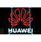 САЩ започва да дава лицензи на американски компании за работа с Huawei